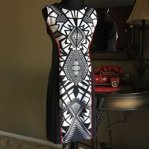 GEOMETRIC BLACK & WHITE SLEEVELESS DRESS MEDIUM
